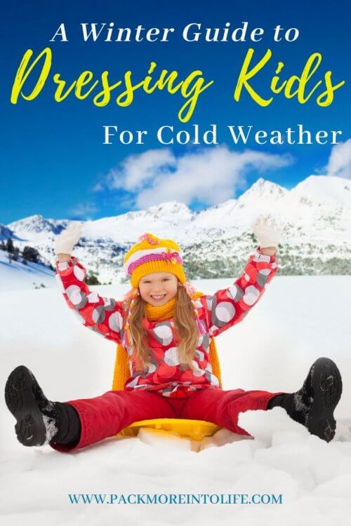 Planning a trip somewhere cold? Not sure how to dress your kids for the winter weather? I've got you covered with this full guide on how to properly layer your kids to play in the snow. Find out how to layer winter clothing property, what clothes and hear are best for winter outdoor play and how to make sure your kids stay warm. | How to dress for winter | Toddler Snow Clothes | How to dress for snow| #winterplay #kidswinterclothes #winterclothing #wintertravel