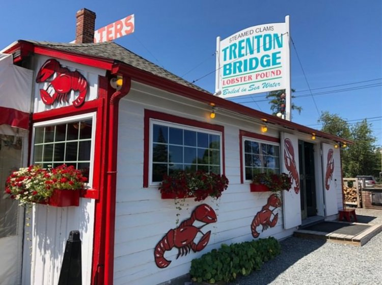 Trenton Bridge Lobster Pounds is one of the top restaurants in Bar Harbor Maine for its pick and steam Lobster!