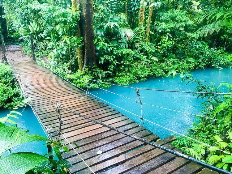 rio celeste tenorio volcano national park