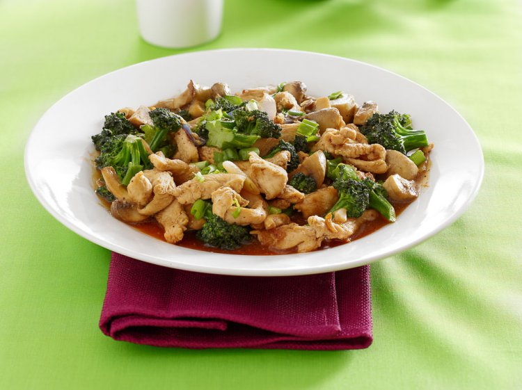 Broccoli and Chicken Chinese dish.