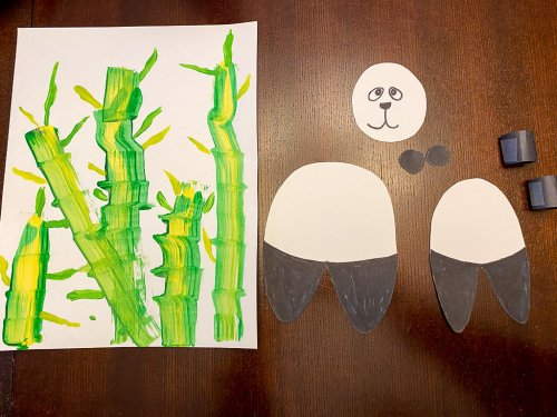 Our bamboo painting with the shapes of the body of the panda to assemble.