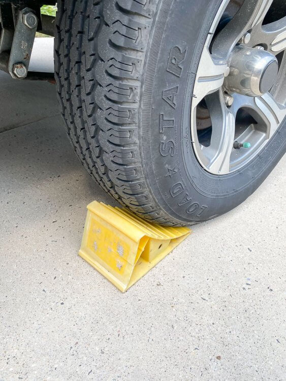 Tire support for the RV tires.